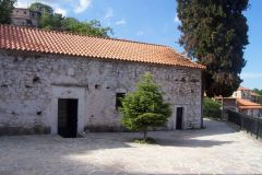 Η παλιά εκκλησία