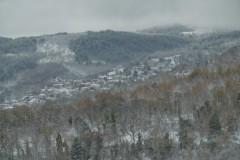 Ο Άγιος Πέτρος στο χιονισμένο τοπίο